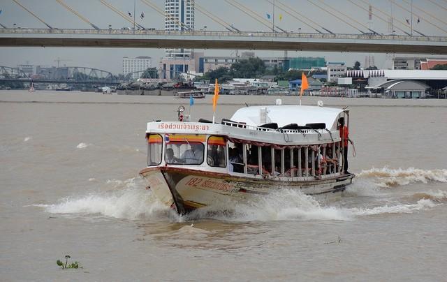 Brodom kroz Bangkok – putevima kanala