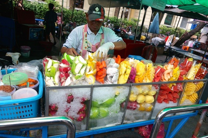 street-food fruits bangkok