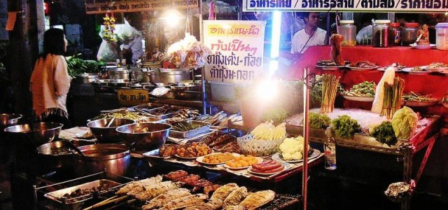 Bangkok street food ipak neće biti zabranjen