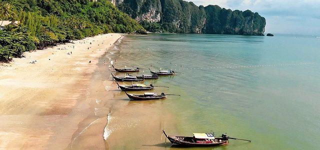 Otpadne vode se izlijevaju  direktno na popularnu  Ao Nang plažu