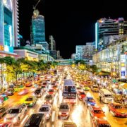 Putoholičarske (ne)zgode Karla u Bangkoku